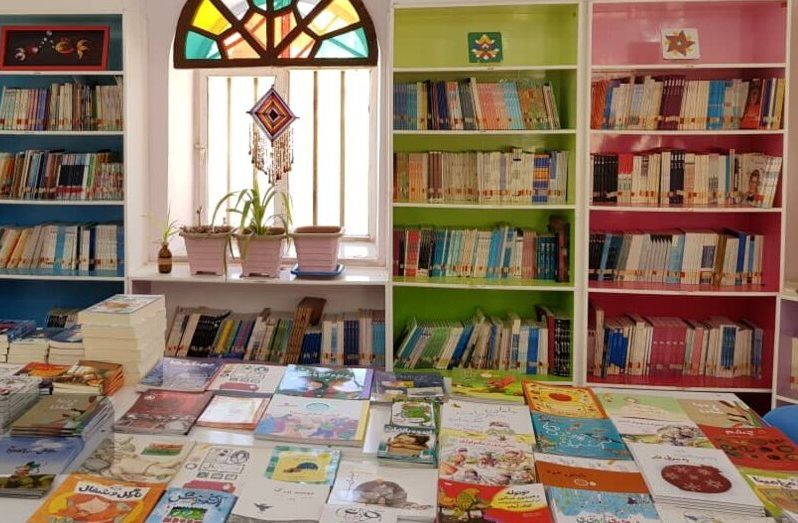 کتابخانه های کانون پرورش فکری استان گیلان با ۱۳ هزار و ۵۰۰ جلد کتاب تجهیز شد.