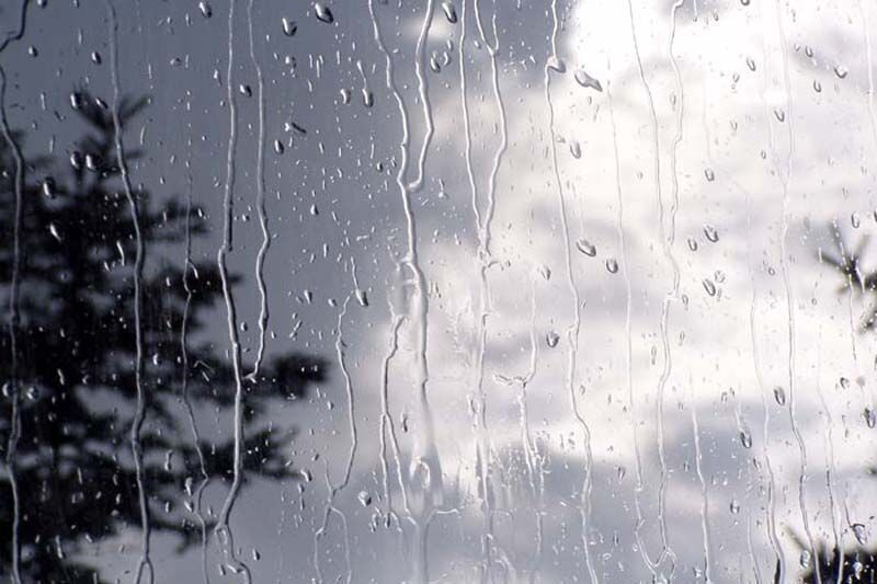 دمای هوای گیلان ۴ تا ١٠ درجه سانتی گراد کاهش می یابد.