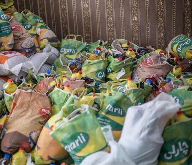 بسته های معیشتی بین نیازمندان تالش توزیع شد.